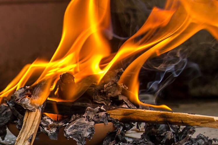 【迎え火と送り火】