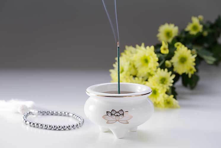 数珠と線香